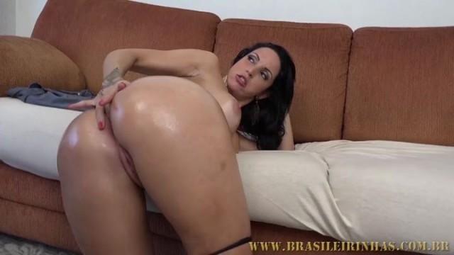 Elisa Sanches preparou uma surpresa com muita sexo anal