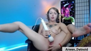 Arwen Cums Hard with her Hitachi while Fingering her Ass