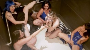 6 GIRLS SQUIRTING IN PUBLIC BATHROOM AT XBIZ AFTER PARTY - PREVIEW
