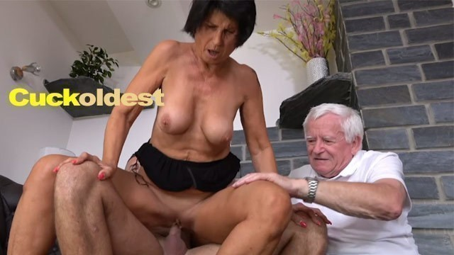 Old Man Licks Cum off His Wife Yetta