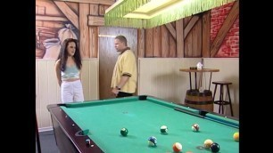 Hier spielt man Billiard Threesome