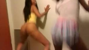 Ebony Teens Twerking - Youtube